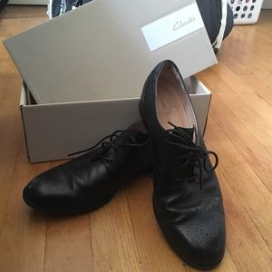 Like new Clark's Oxfords with box!